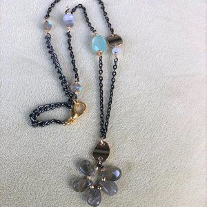 🌷🌷🌷Sale🌷Necklace with Labradorite Flower